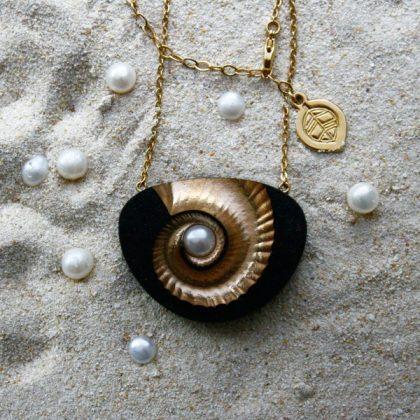 Black Sand & Pearl